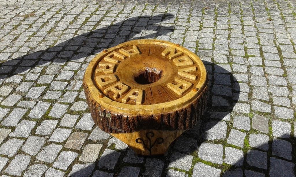 Mesa a partir de rolo de carvalho