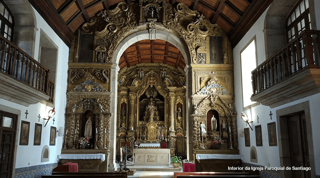 Interior da igreja paroquial de Santiago