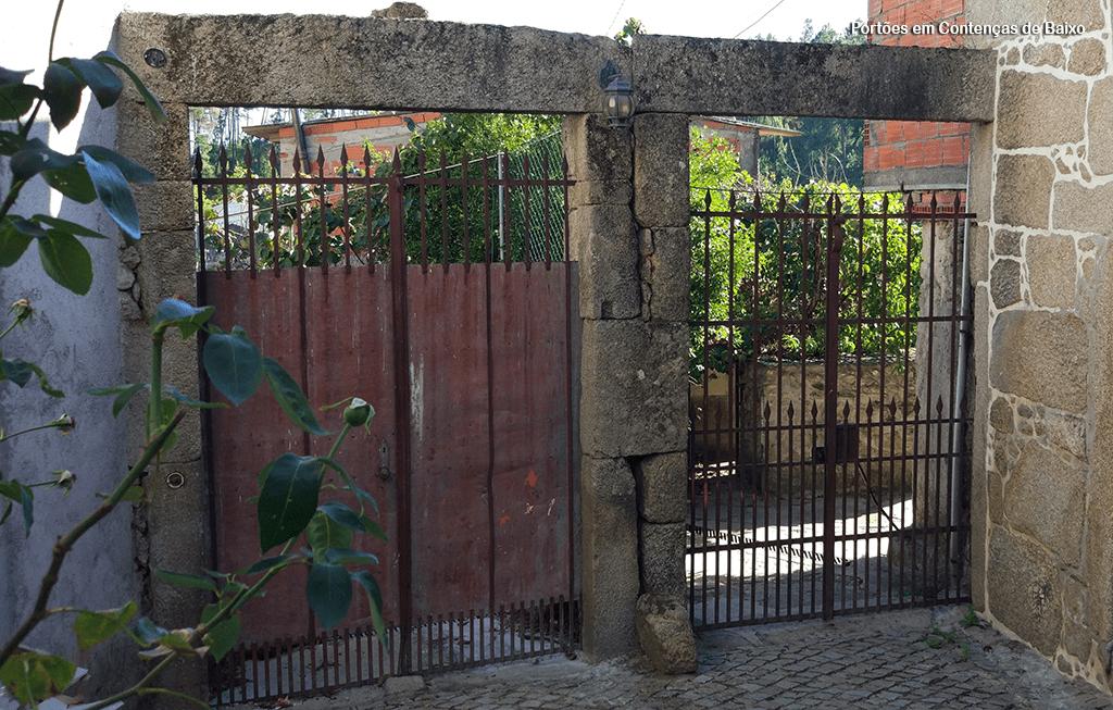 Portões tradicionais em Contenças de Baixo