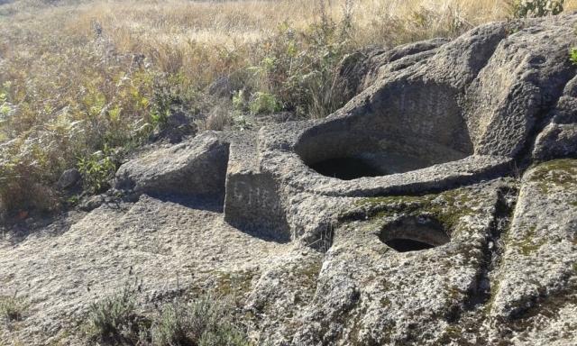 Pio/lagareta escavado na rocha